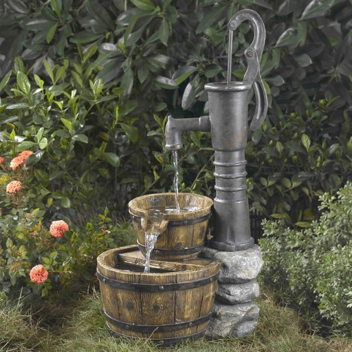Old Fashion Water Pump Water Fountain